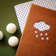 Fora de estoque – Bolinhas Pretas com fundo Branco